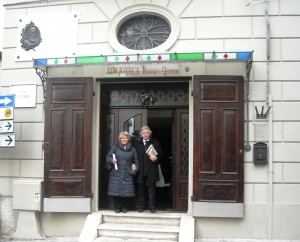 Da Roma, visitano la sede di Risvegli Culturali, la pronipote di Federico Quercia, Francesca Federica Quercia e marito