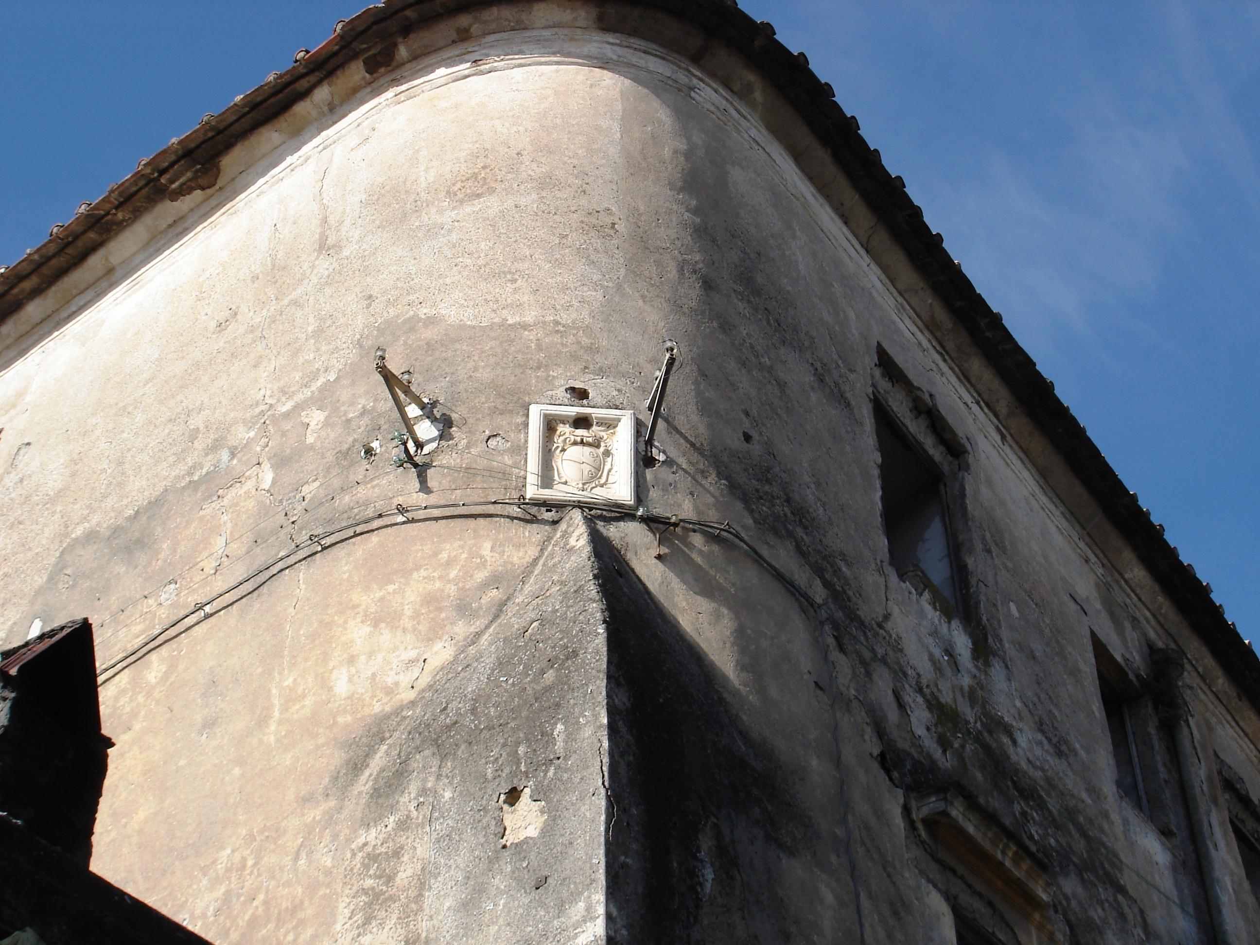 Castello-Loriano-1.jpg